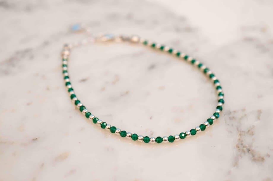 Handgemaakte Zilveren armband met groene Spinel edelsteen