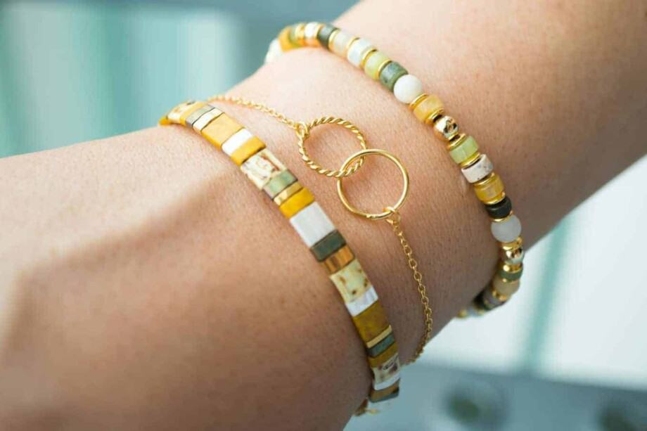 Handgemaakte natuurstenen kralen armband geel-groen-goud