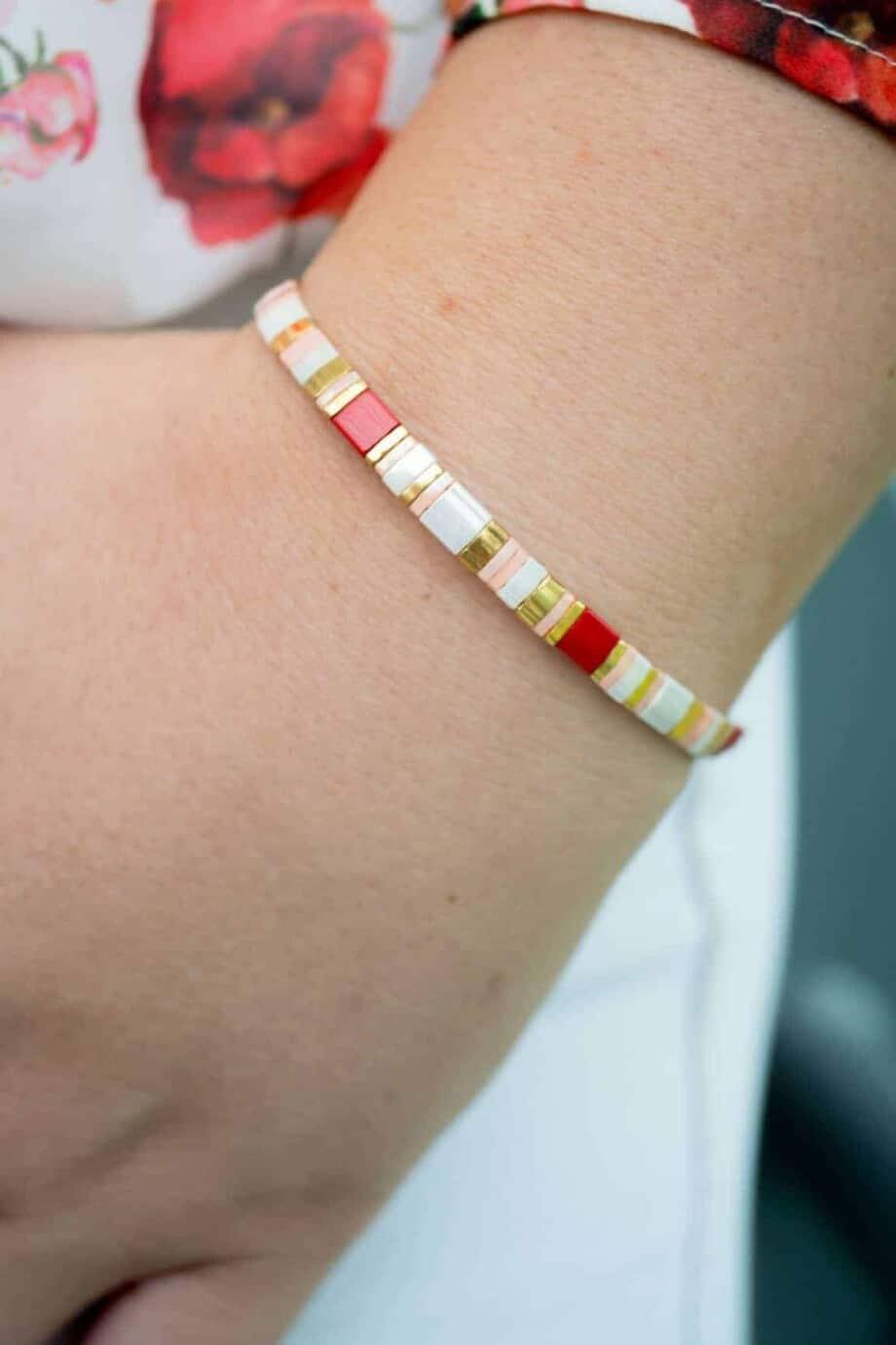 Handgemaakte Miyuki armband rose, rood, zalm kleur