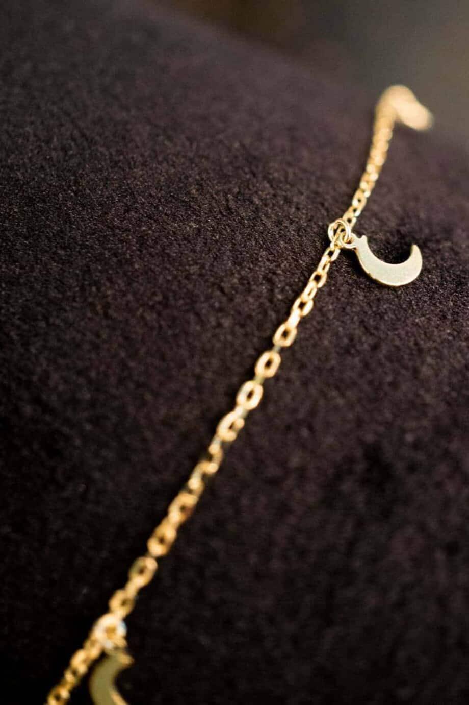 Gouden armband met hangers 'Halve maantjes' van Goud op Zilver