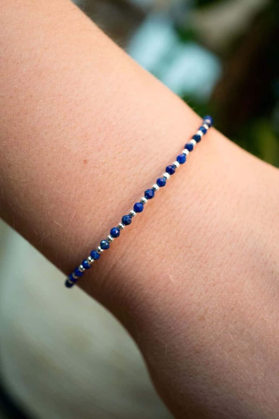Handgemaakte Zilveren armband met blauwe Lapis Lazuli edelsteen