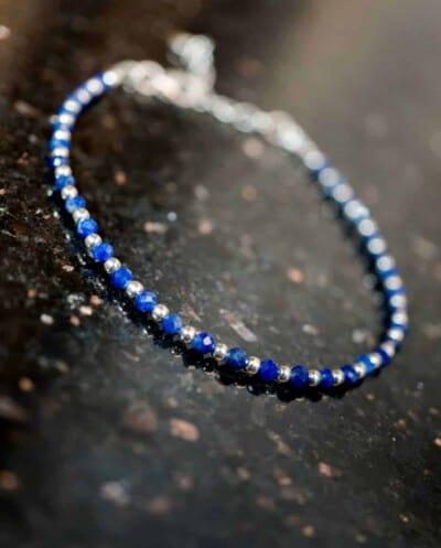 Handgemaakte Zilveren edelsteen armband met blauwe Lapis Lazuli edelsteen kralen