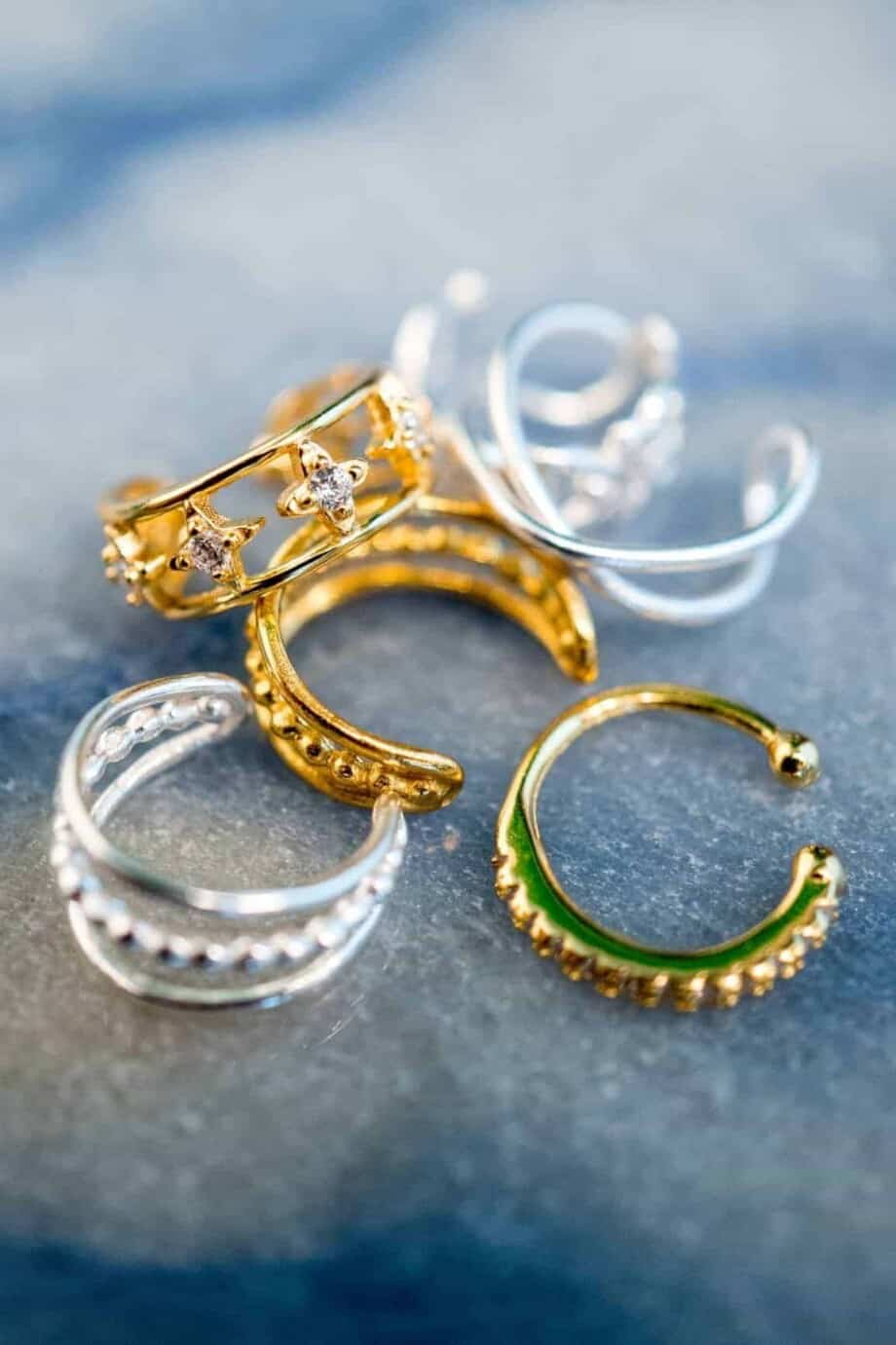 Gouden en Zilveren ear cuffs overzicht