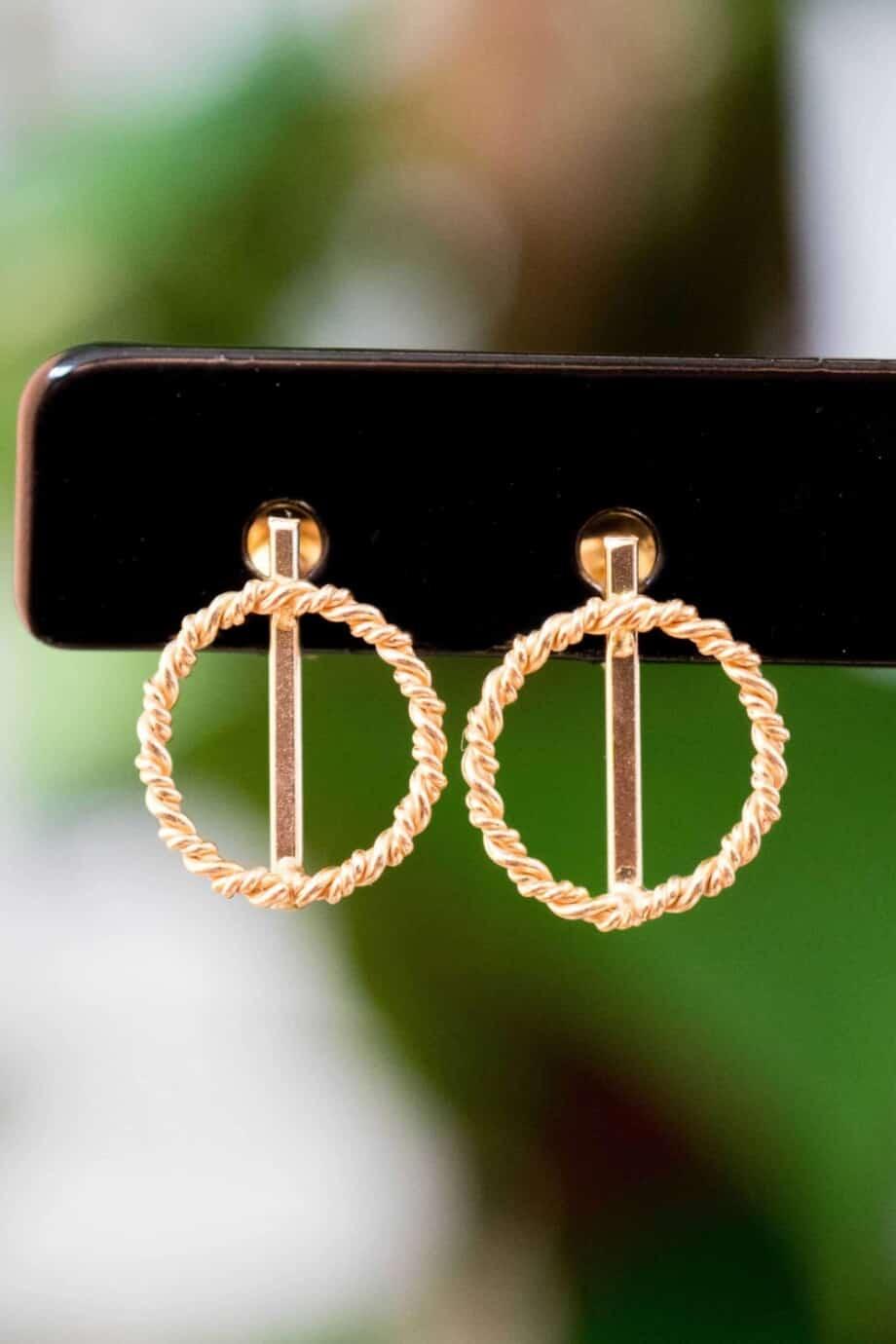 Gouden oorbellen 'Twisted Circle' van Goud Vermeil