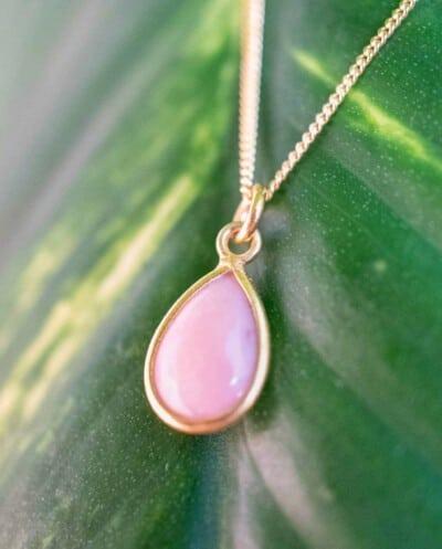 Gouden ketting met roze edelsteen 'Pink Opal' van Goud op Zilver