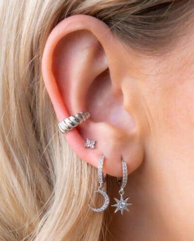 Zilveren ear cuff 'Silver irregular' van Sterling Zilver
