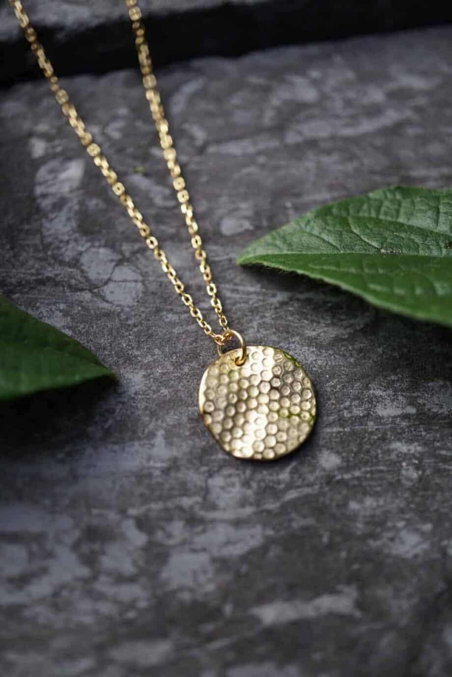 Gouden ketting met hanger 'Beehive' van Goud op Zilver