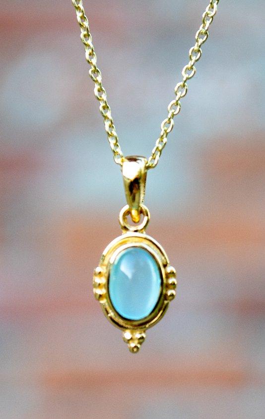 Gouden edelsteen ketting blauwe Aqua Chalcedone van Goud op Zilver