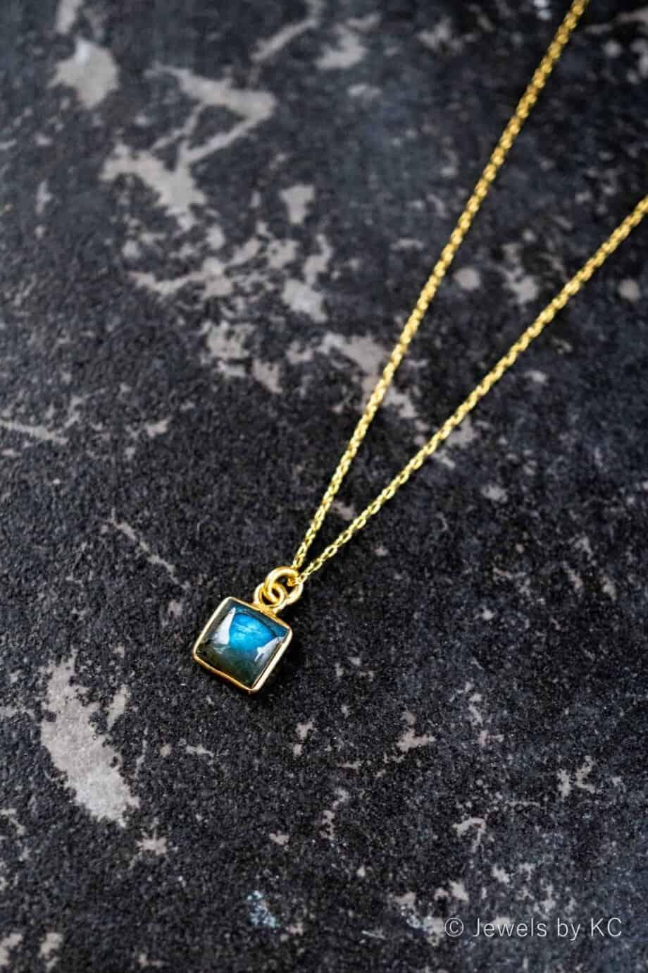 Gouden edelsteen ketting Square blauwe Labradoriet van Goud op Zilver