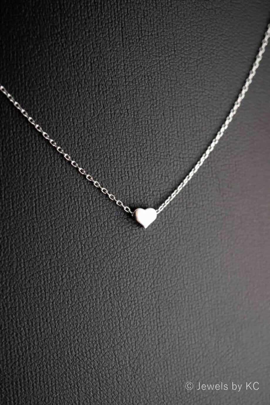 Zilveren-ketting-'Stolen-heart'-hartje-hanger