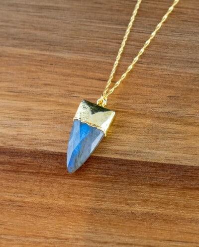 Gouden ketting met blauwe steen van Labradoriet edelsteen, van Goud op Zilver