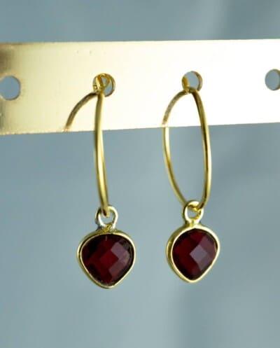 Gouden-edelsteen-oorbellen-rode-Granaat-Goud-op-Zilver