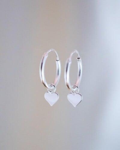 Zilveren hartjes oorbellen van Sterling Zilver