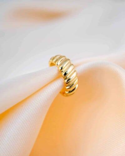 Gouden earcuff Croissant van Goud op Zilver