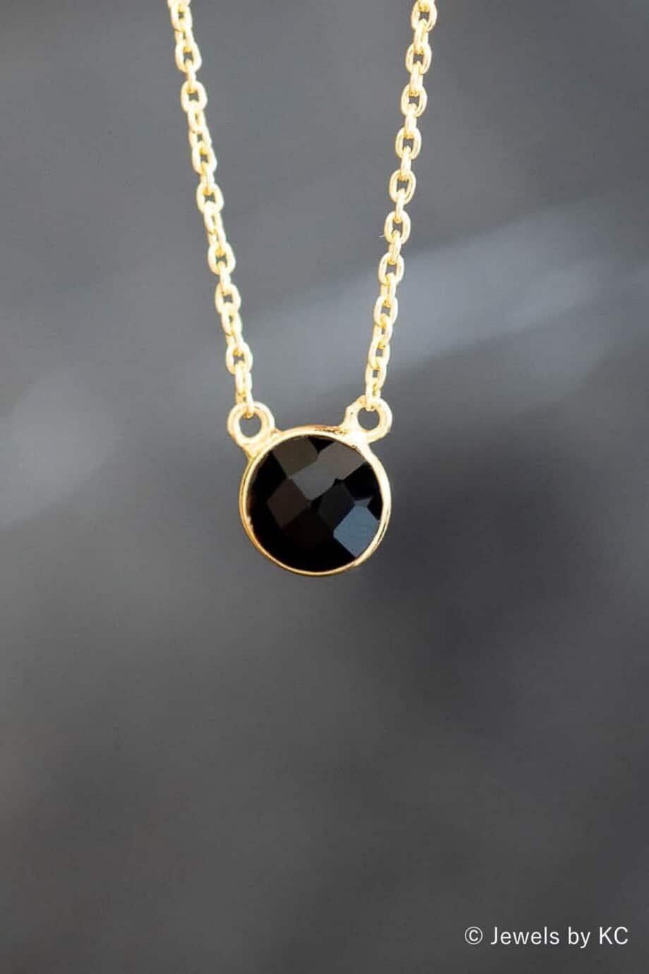 Gouden ketting met zwarte steen van 'Black Onyx' edelsteen van Goud op Zilver