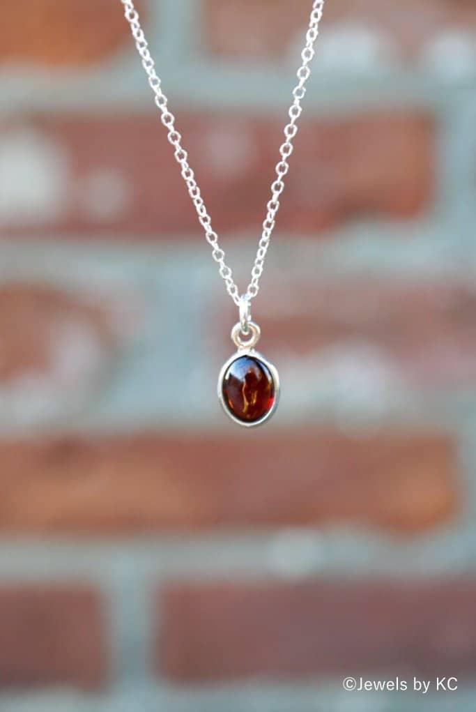 925 Zilveren ketting met rode steen van 'Granaat' edelsteen.
