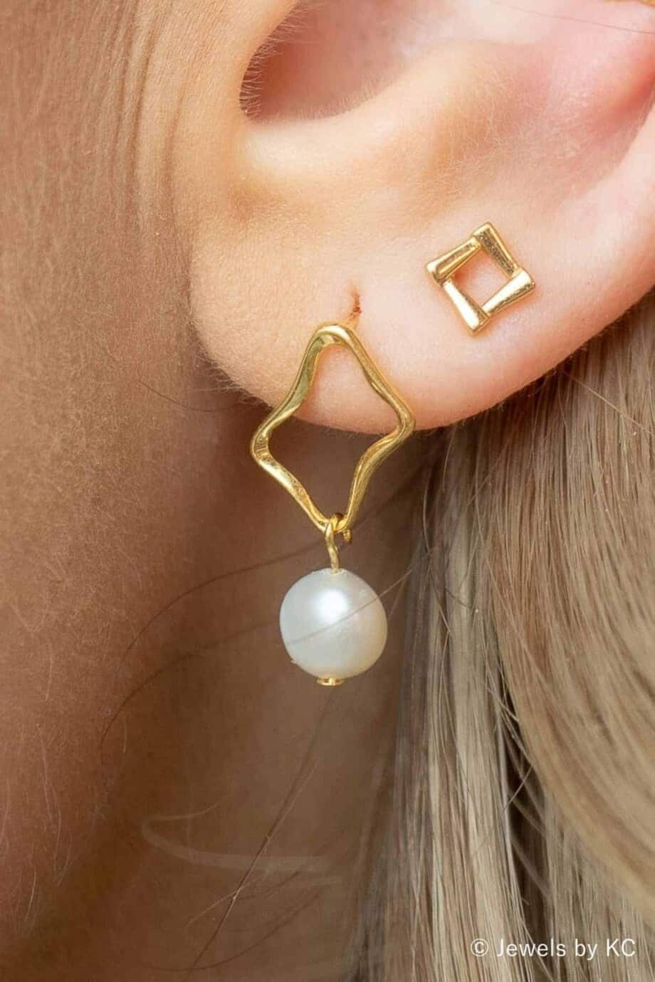 Gouden oorbellen met Zoetwater-parels van Goud op Zilver
