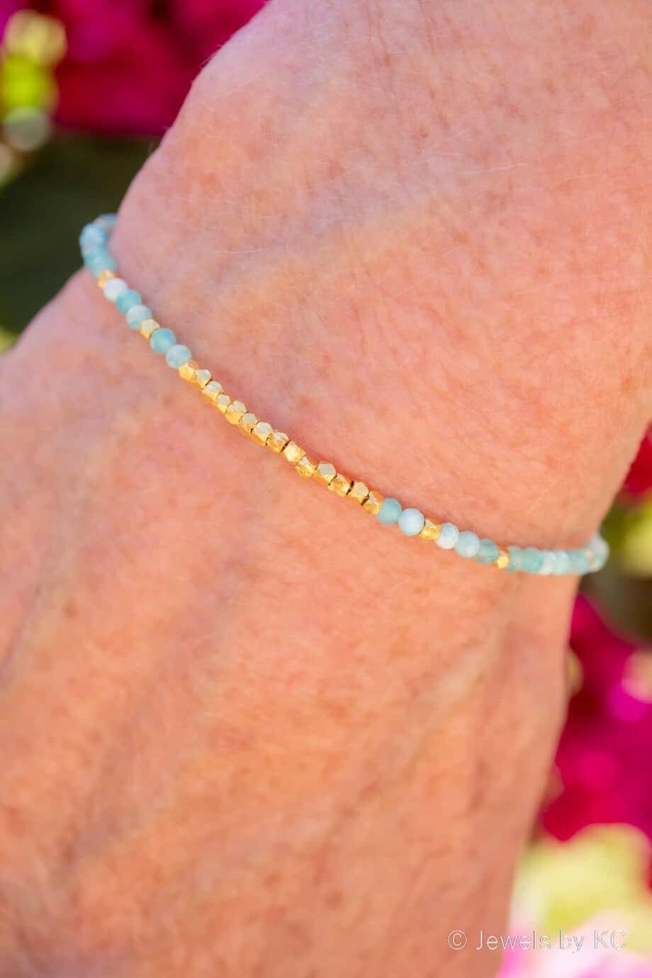 Gouden edelsteen armband met Blauwe Amazoniet en Karen Hill kralen Goud op Zilver
