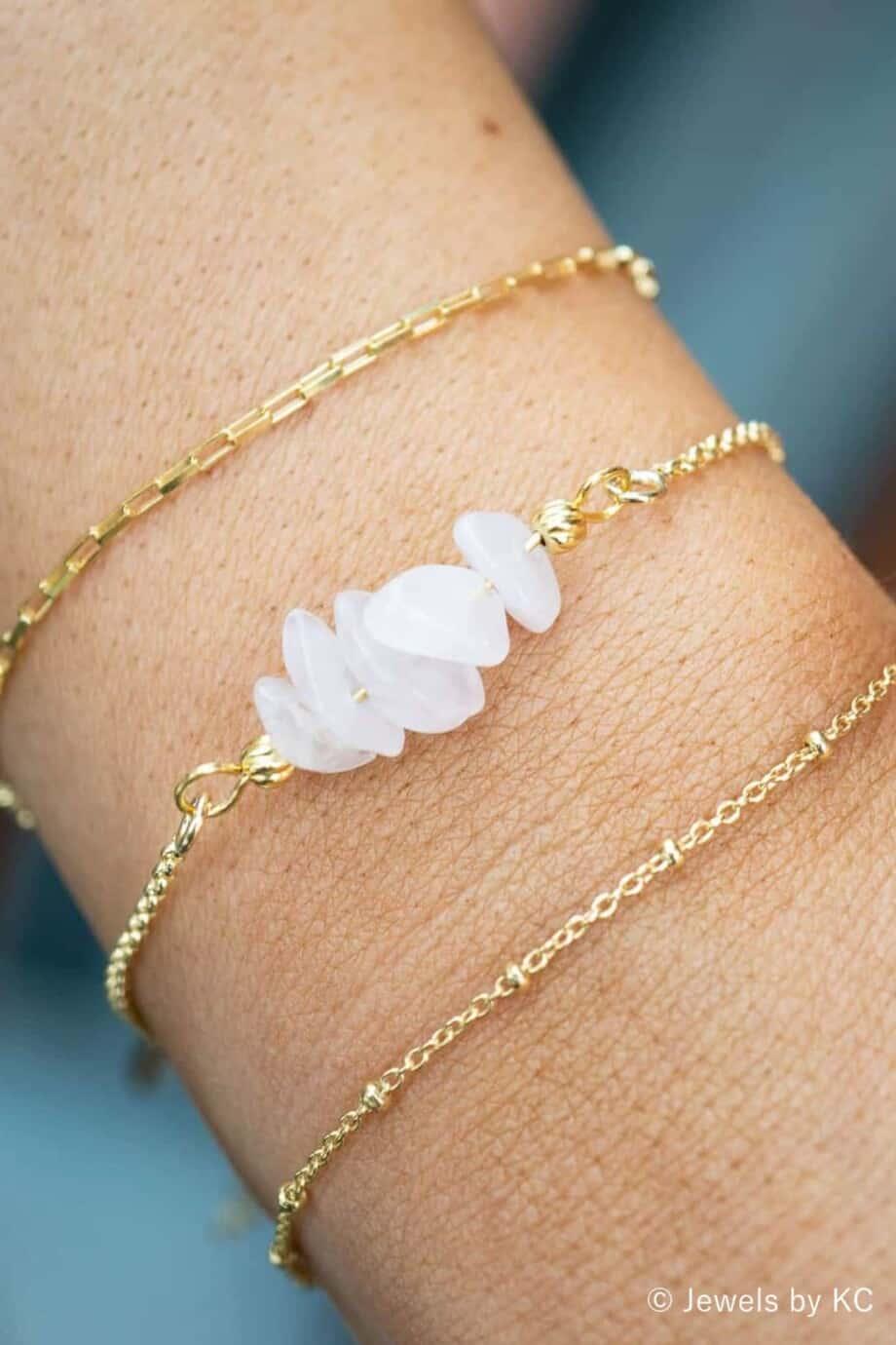 Gouden edelsteen armband-met Rozenkwarts chips van Goud op Zilver