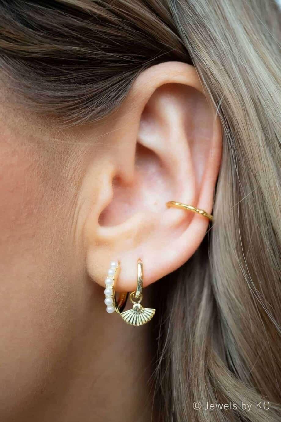Gouden oorbellen 'Layla' met Zoetwater parels van Goud op Zilver