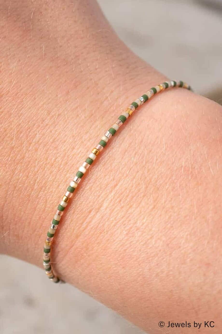 Handgemaakt-Miyuki-armbandje-Pastel-green-gold-kralen-armbandje