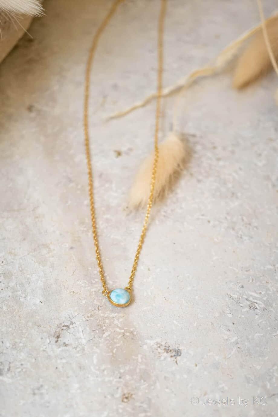 Gouden edelsteen ketting met Larimar edelsteen van Goldplated Zilver