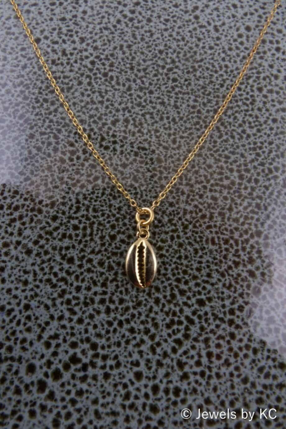 Gouden ketting met 'Kauri schelp' hanger van Goud op Zilver