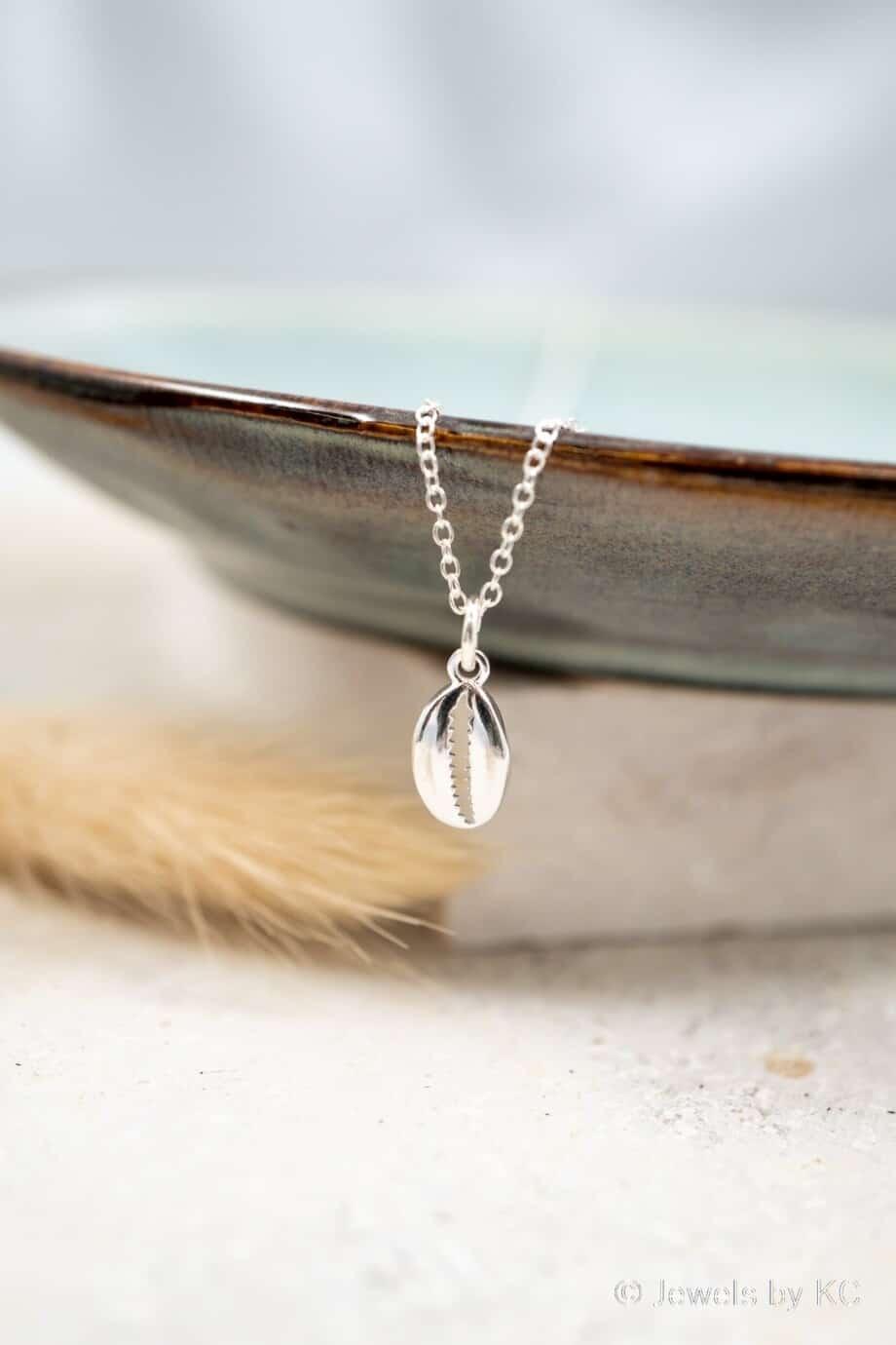 Zilveren ketting met Kauri schelp van Sterling Zilver