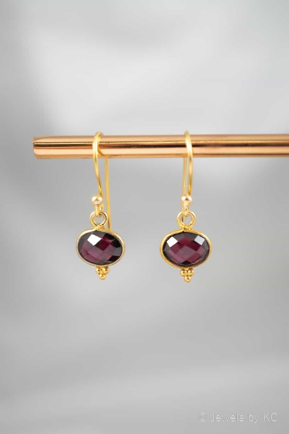 Gouden rode Granaat edelsteen oorbellen klassieke oorhangers Goud op Zilver